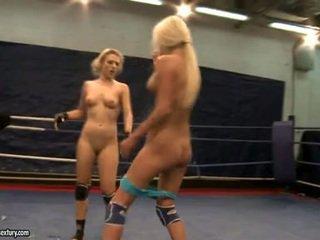 Laura krystall og michelle juicy fighting exposed