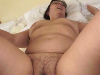 Heet grootmoeder loves jong cocks