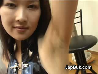 射精 上 腋窩 的 日本語 女孩