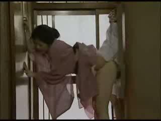 Jaapani koduperenaine sisse kimono perses video