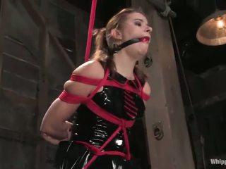 Sarah blake has tortured और toyed द्वारा claire adams