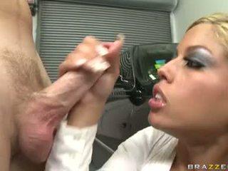 性感 妓女 bridgette b enjoys 一 meaty shaft drilling unfathomable 在 她的 甜 口