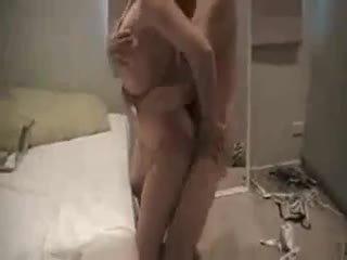 Cuckold husband eats strangers creampie Video