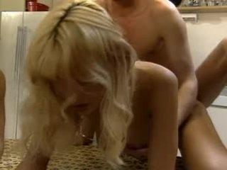 Anita স্বর্ণকেশী - ক্লিপ 1 (junge korper zarte kitzler)
