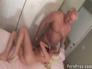 Γριά και youthful πορνό κανάλι