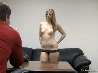 Blondinke stripper zajebal v vroče kasting