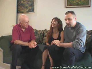 Aviomies approves of hänen vaimo bonking