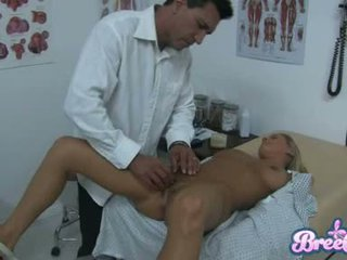 Fena bree olson je having že guyr soaked chňapnout tickled s ji physicians fingers