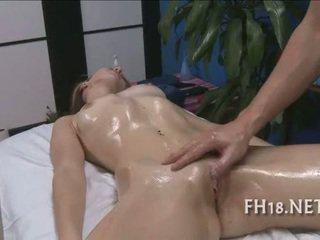 Sexy e hooters 18 ano velho puta