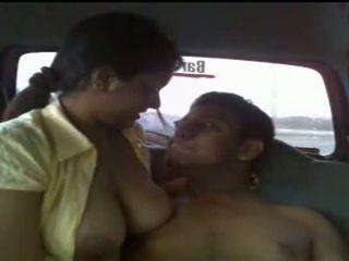 देखिए असली lanka सेक्स वीडियो - publicly taped सेक्सी टीन कपल