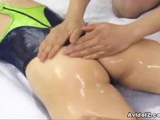 क्यूट जपानीस स्लट hinano shirosaki massaged और fucks two cocks