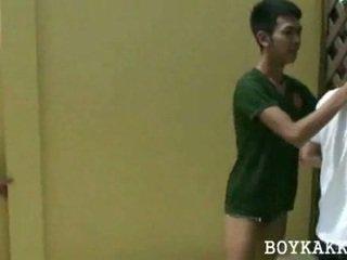 Thai schnuckel ficken dreier