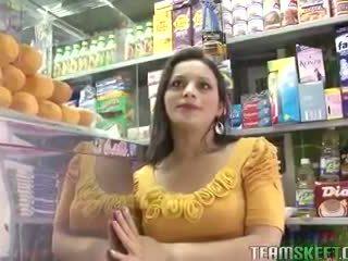 콘돔, 면도, 엄마 랑