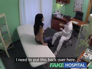 Fake nemocnice squirting máma jsem rád šoustat wants breast implants a gets a creampie injekce místo toho