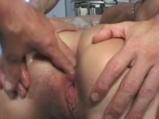 Amateur Laura gets anal fucked Video