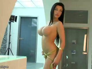 pěkný oholil kočička zkontrolovat, velká prsa ideální, nejžhavější pornohvězdami