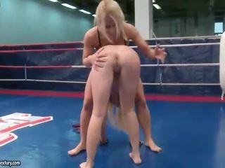 great lesbian ideal, lesbian fight, muffdiving
