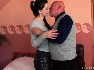 श्यामला, कट्टर सेक्स, ओरल सेक्स, चूसना