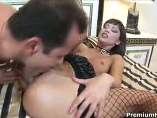 Angelina Crow - Lovely hoe gets her asshole pumped