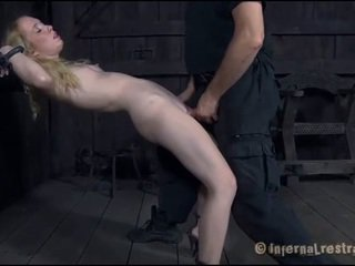 Torturing một nhỏ sweetheart