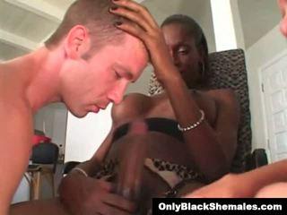 Blacks auf Asiaten roten Kopf Sex