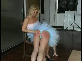 Ballet dancer spanked difícil por professora vídeo