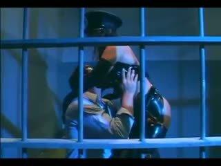 Venus - 巨乳 female 警察 在 制服 和 胶乳 手套 deepthroating 和 他妈的