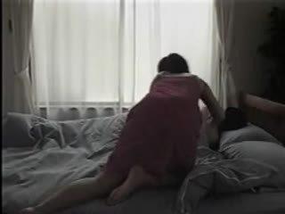 日本語 女性 脱衣 と having セックス 上の ザ· ベッド