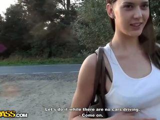 Al naibii alege în sus fata sex afara video