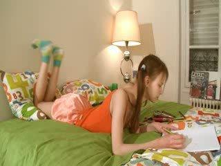 ন্যাষ্টি homework এর স্মার্ট teenager