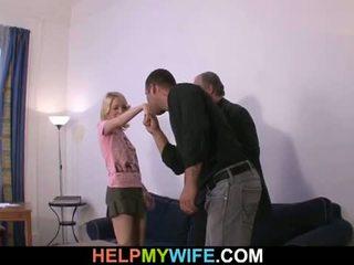 Segít én feleség: régi férfi pays szerencsés dude hogy fasz övé kívánós