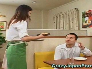 Pazzo porno con giapponese waitresses!