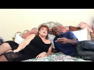 奶奶 receives bawdy cleft pounded 由 大 黑色 公鸡