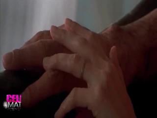 Erotik performanca rreth angelina jolie