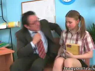 Irena was surprised to jej nauczycielka has taki the gigantyczne chuj.
