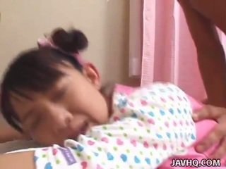 Joven oriental adolescente bumped duro uncensored vid