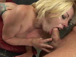 סקסי בלונדינית הזונה adrianna nicole חינוק ב a זין