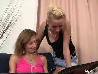 Elle rides son fils en droit bite
