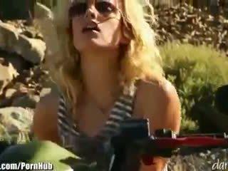 Kiara diane - daringsex solo outdoors masturbation içinde the mountains