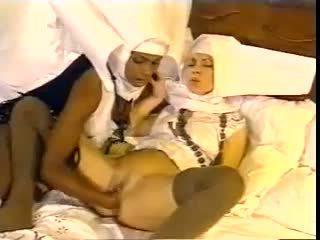 كلاسيكي, بعثة تقصي الحقائق, nun, priest