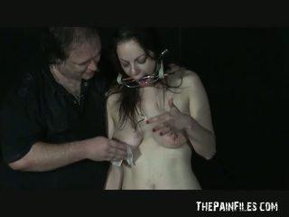 Ekstremalus adata kankinimas apie mėgėjiškas slavegirl beau