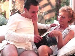 The Iň beti of lusty grandmas