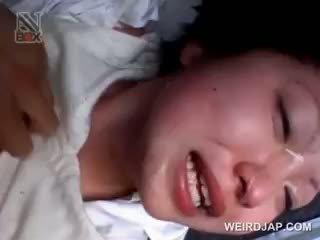 Ασιάτης/ισσα σχολείο μωρό gets sexually κακοποιημένος/η σε ένα van