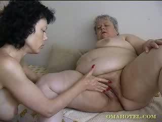 奶奶, 性别, 成熟, 拳交