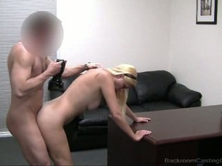 Alice-in-Wonderland gets fucked and creamed