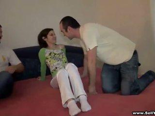Baise son copine et autre garçon fims elle