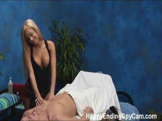 Meie peidetud piilumine cameras tabatud mariah the massaaž therapist giving rohkem kui a massaaž!