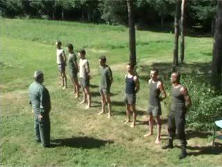 Hazed جيش undress