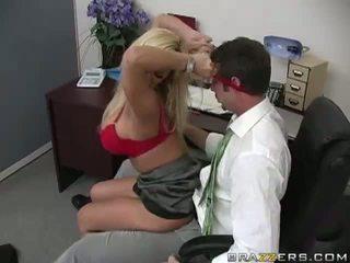 Shyla stylez gets anally perseestä mukaan hänen co-worker video-
