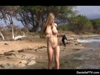 outdoor sex, chick, beach